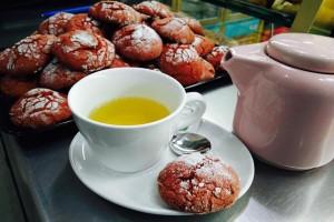 Hora del te en La Tahona de Poky en La Guia de Lucena